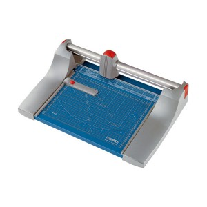 Dahle Premium Series Model 440 Paper Trimmer